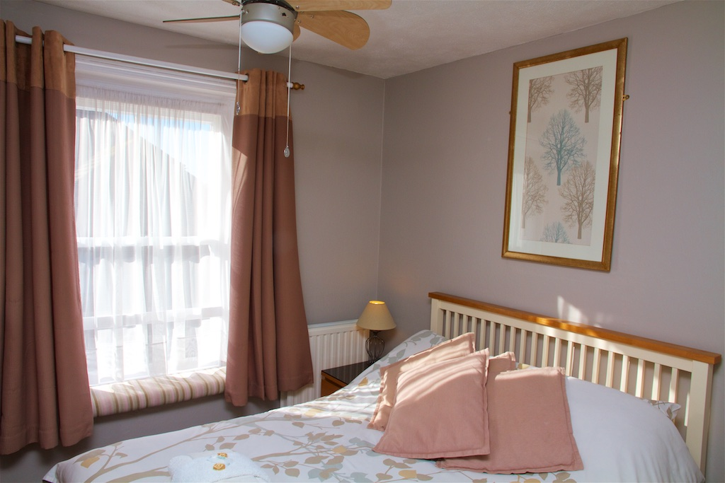 rooms kelston guest house bed breakfast weymouth. Black Bedroom Furniture Sets. Home Design Ideas